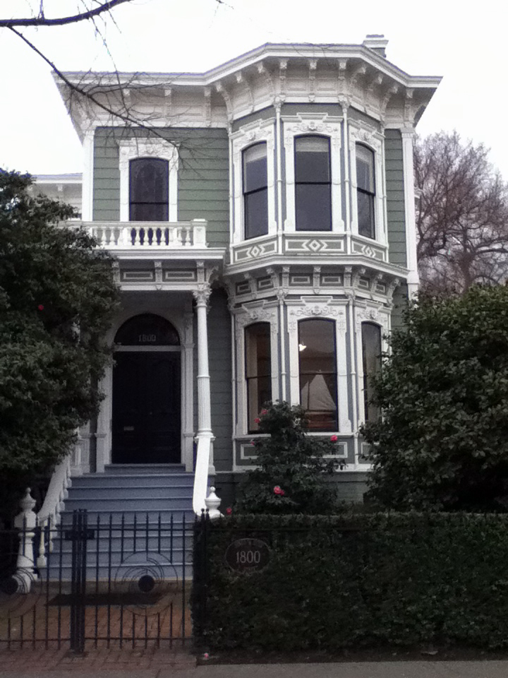 The front of a nicely-restored Victorian in Midtown Sacramento.